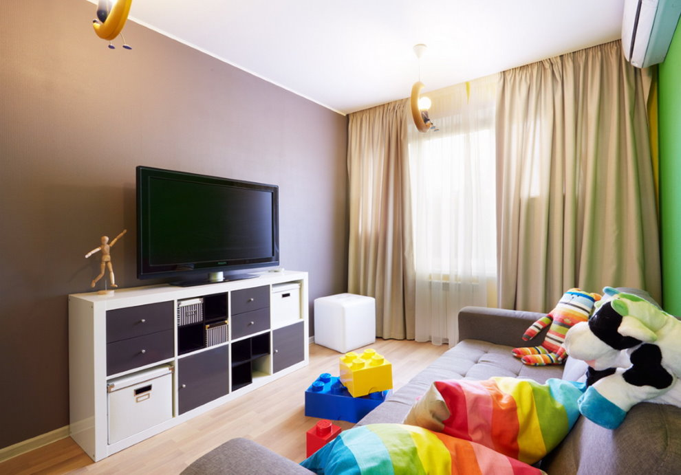 Интерьер детской комнаты с телевизором