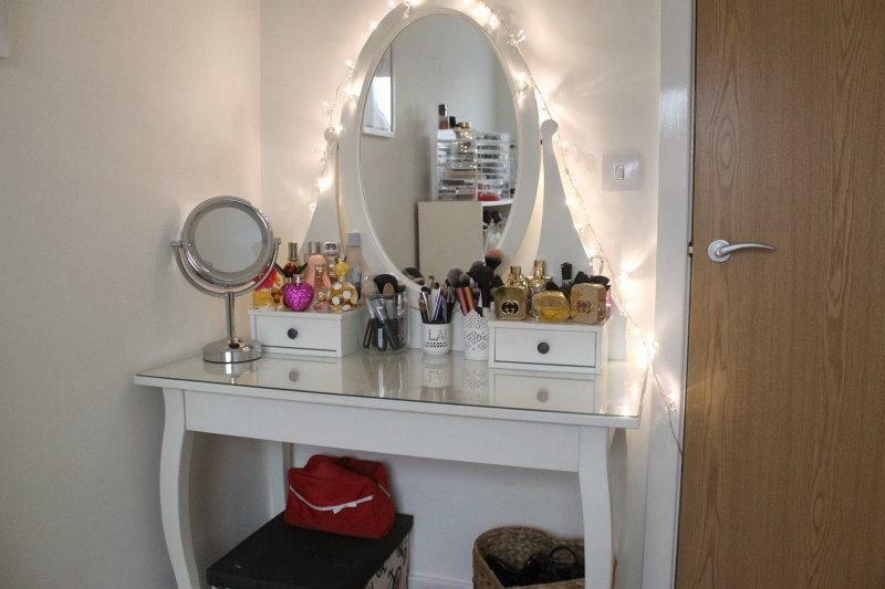 Декоративная подсветка туалетного столика