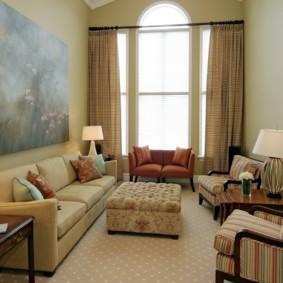 узкая гостиная в квартире фото оформления