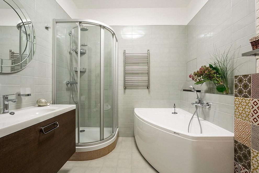 Чугунная ванна в городской квартире