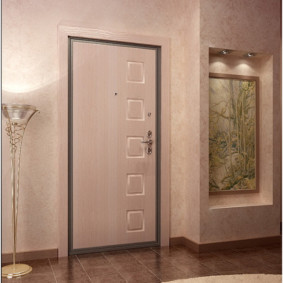 входные двери в квартиру декор фото