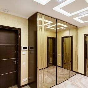 входные двери в квартиру фото декор