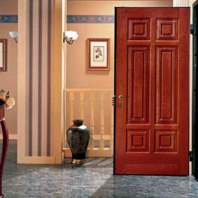 входные двери в квартиру интерьер