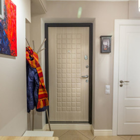 входные двери в квартиру фото оформление