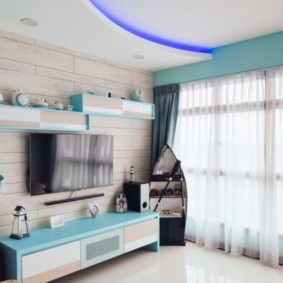 Голубой цвет в дизайне гостиной