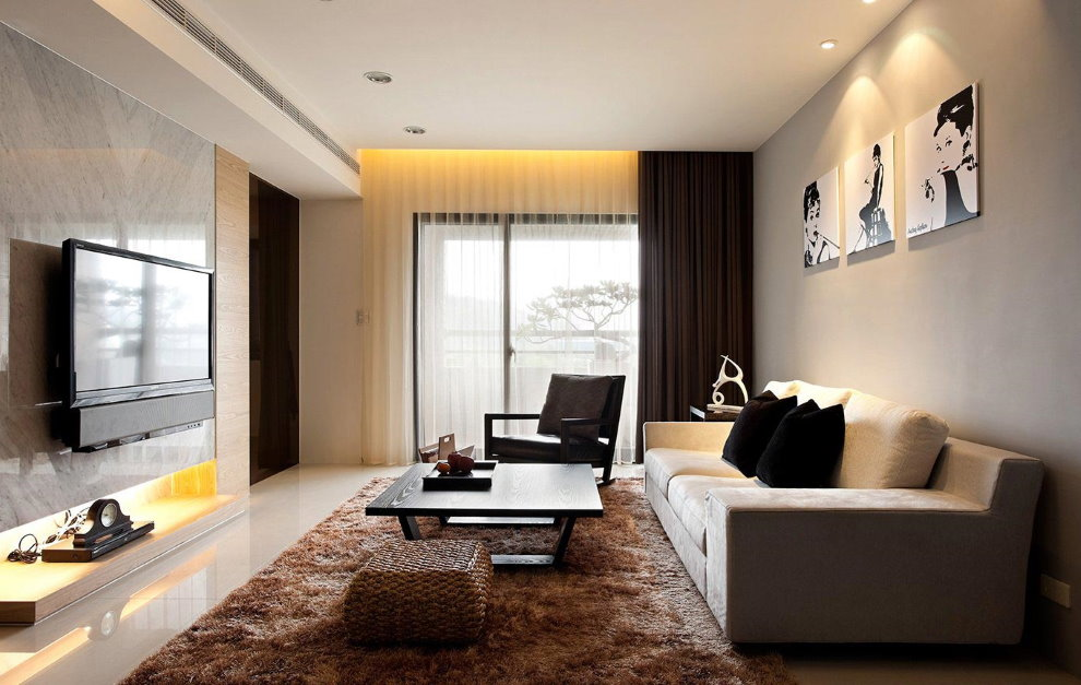 Зал в стиле минимализма с модульными картинами