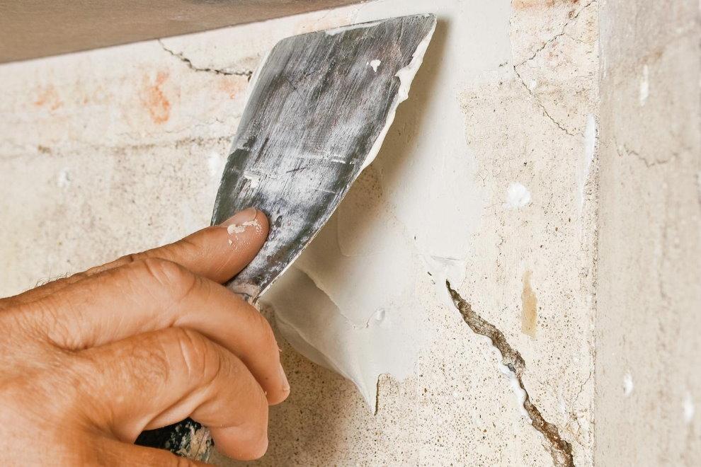 Замазка своими руками трещины на бетонной стене балкона