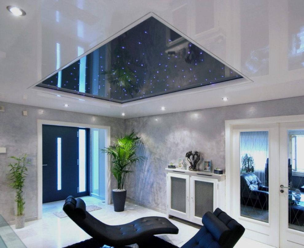 Звездное небо на полотне натяжного потолка