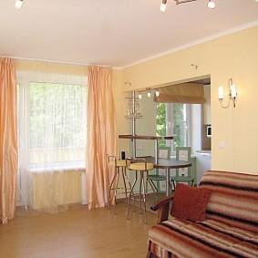 дизайн маленького зала с кухней