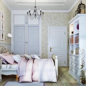 Небольшая комната для девочки школьного возраста