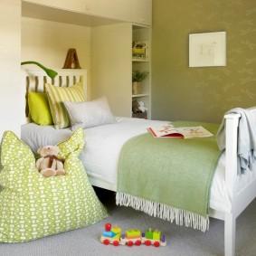 Маленькая спальня в пастельных тонах