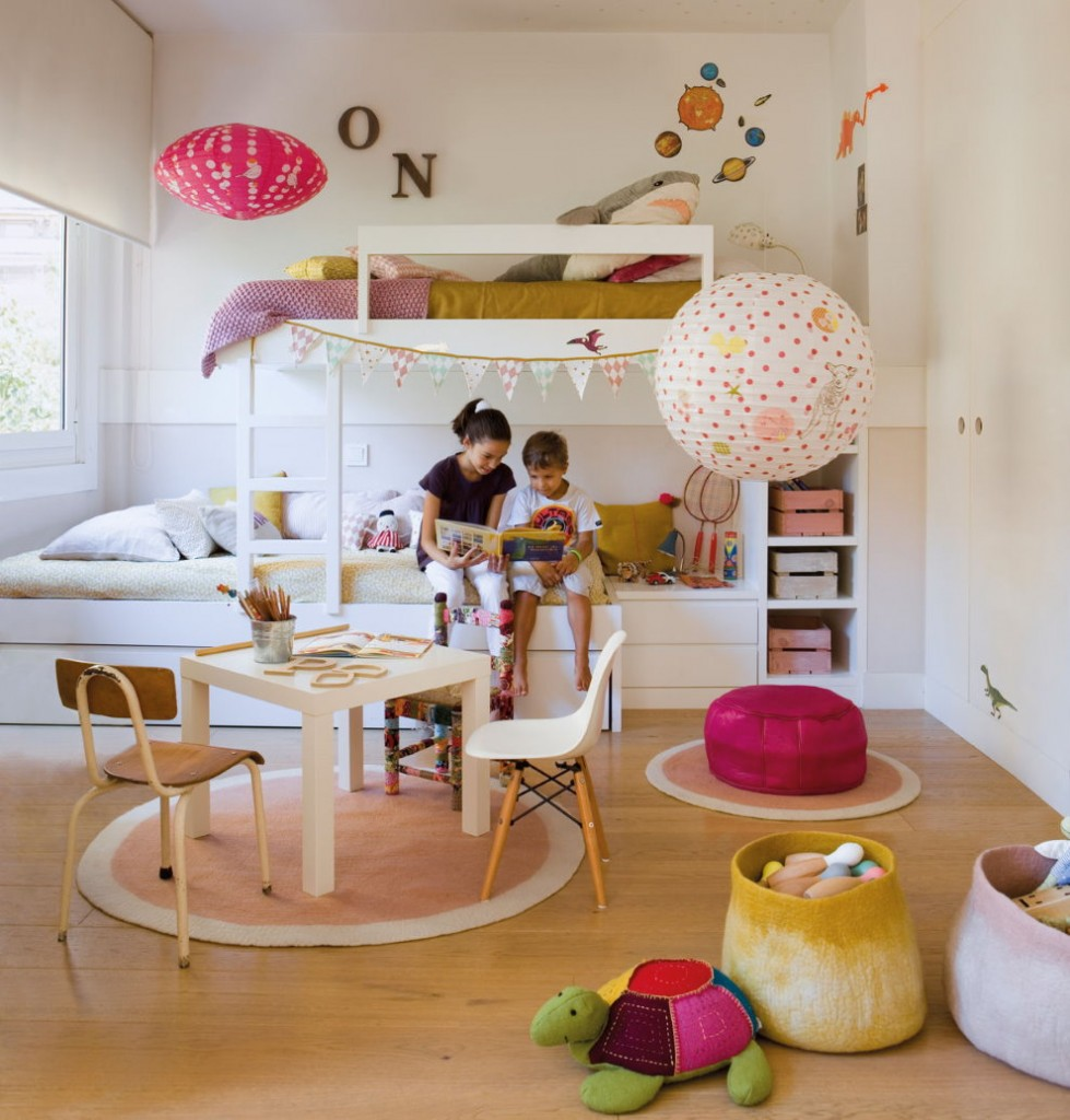 Светлая комната для разнополых детей