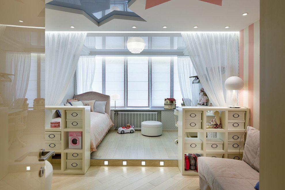 Квадратные светильники в подиуме детской зоны