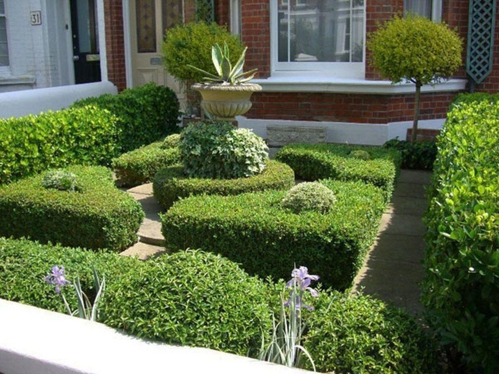 Дворцовый стиль в ландшафте сада маленькой площади