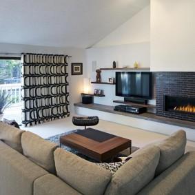 Угловой диван с удобными подушками