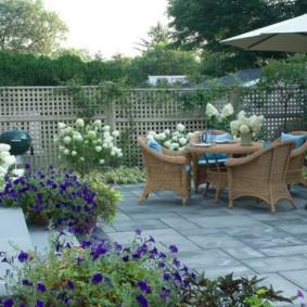 Садовая мебель под открытым небом