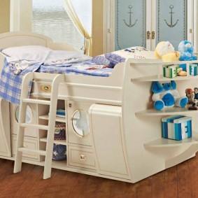 Детская кровать в морском стиле