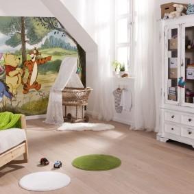 Белый шкаф для детских игрушек