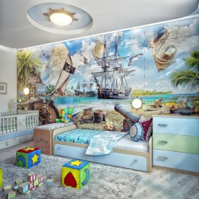 Светильник на потолке детской комнаты