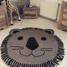 Детский коврик в виде львенка