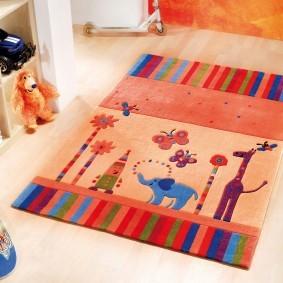 Прямоугольный коврик с детскими рисунками