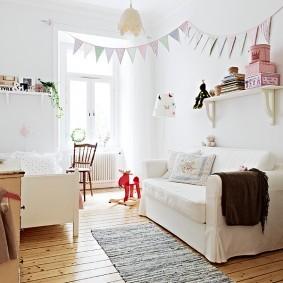 Узкий коврик в детской скандинавского стиля
