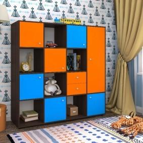 Яркие дверцы детской мебели