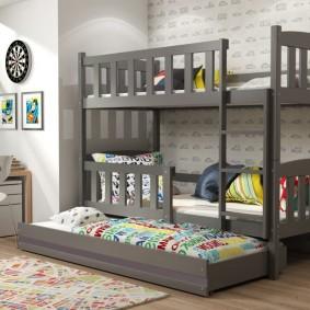 Кровать для троих детей с выдвижной секцией