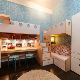 Освещение комнаты для троих детей