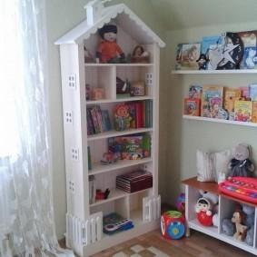 Стеллаж-пенал для детских игрушек