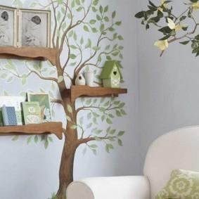 Фанерные полочки на ветках нарисованного дерева