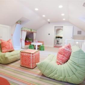 Светлая комната для детских игр