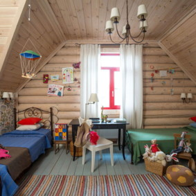 Дизайн детской в деревянном доме