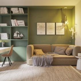 Модульные картины над диваном в кабинете