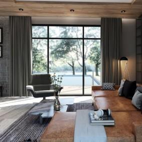 Серые шторы в комнате с низким потолком