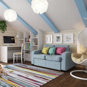 Голубой диванчик раскладного типа