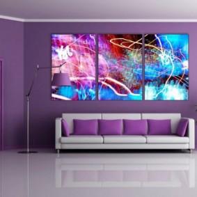 Модульные картины на фиолетовой стене