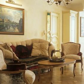 Зона отдыха гостиной в классическом стиле