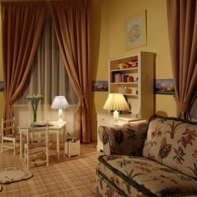 Настольные лампы в спальне девочки