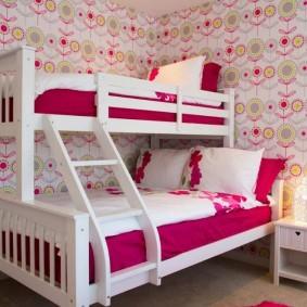 Кровать для девочек разного возраста