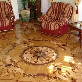 Красивые узоры на полу в классическом зале