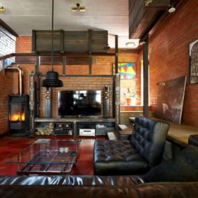Черный диван с каретной стяжкой