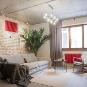 Красная решетка вентиляционной системы