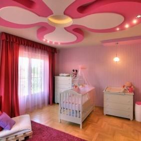 Двухуровневый потолок детской комнаты