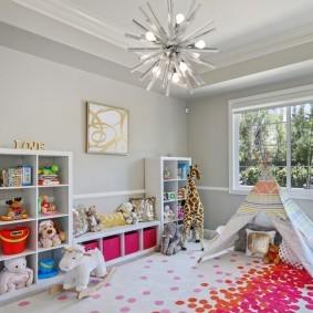Игровой домик на ковре в детской