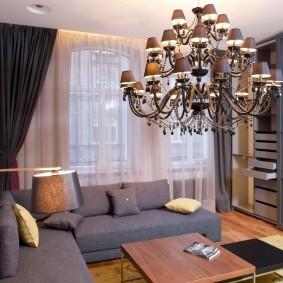 Серая мебель в маленьком зале