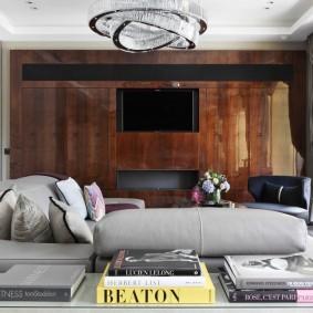 Телевизионная панель на деревянных панелях