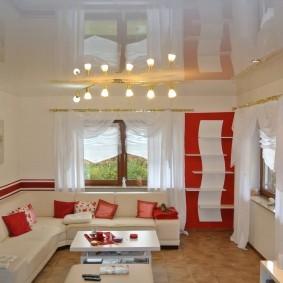 Интерьер зала в красно-белом цвете