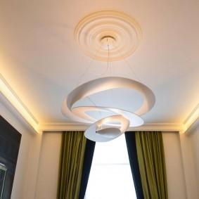 Потолочный светильник оригинального дизайна