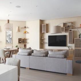 Современный зал с полками вместо стенки